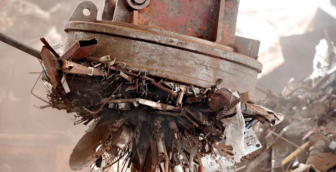 Ferrous scrap sorting and recycling